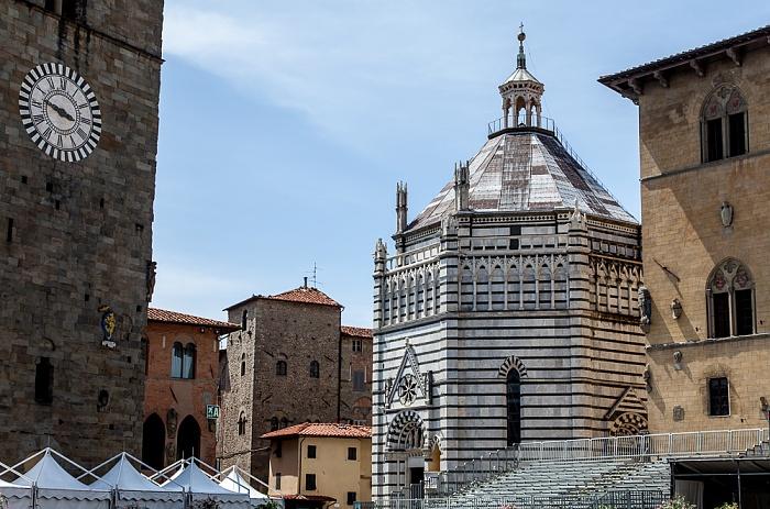 Pistoia Centro Storico: Battistero di San Giovanni in corte Campanile del Duomo di Pistoia Palazzo Pretorio