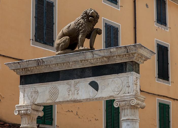 Pistoia Centro Storico: Piazza della Sala - Pozzo del Leoncino