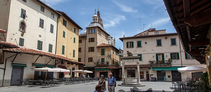 Pistoia Centro Storico: Piazza della Sala Pozzo del Leoncino