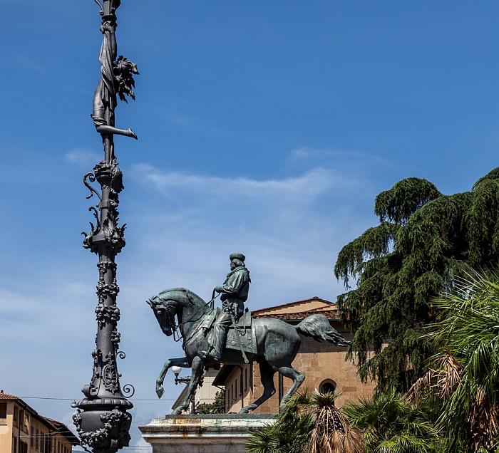Pistoia Centro Storico: Piazza Giuseppe Garibaldi - Giuseppe-Garibaldi-Reiterdenkmal