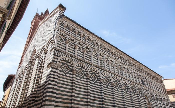 Pistoia Centro Storico: Via Camillo Benso Cavour - Chiesa di San Giovanni Fuorcivitas