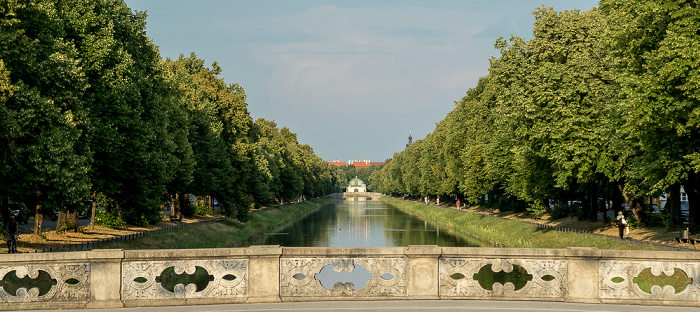 Ludwig-Ferdinand-Brücke, Nymphenburger Kanal, Hubertusbrunnen München