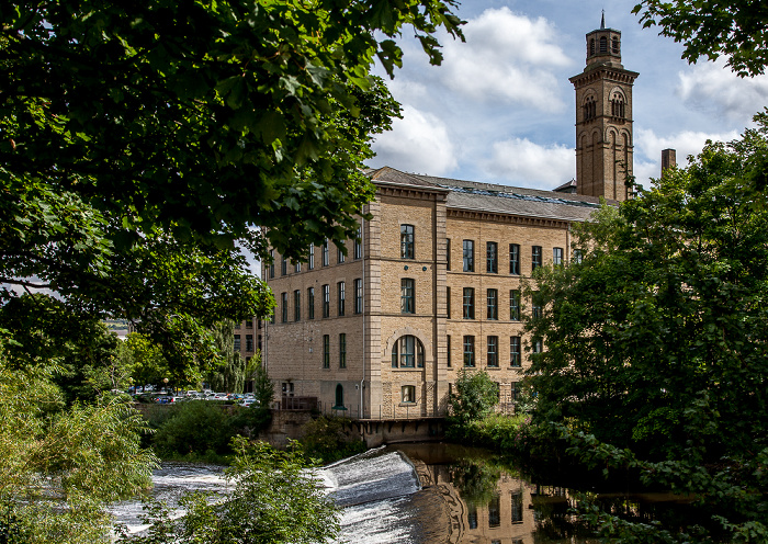 City of Bradford Saltaire: River Aire und Salts Mill