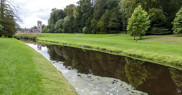 Ripon Studley Royal Water Garden Fountains Abbey
