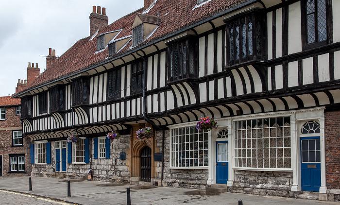 York College Street: St William's College