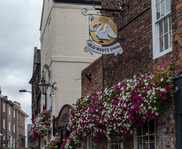 York Goodramgate: The Old White Swan