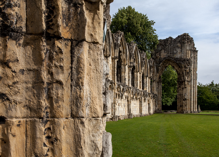 Yorkshire Museum Gardens: St Mary's Abbey