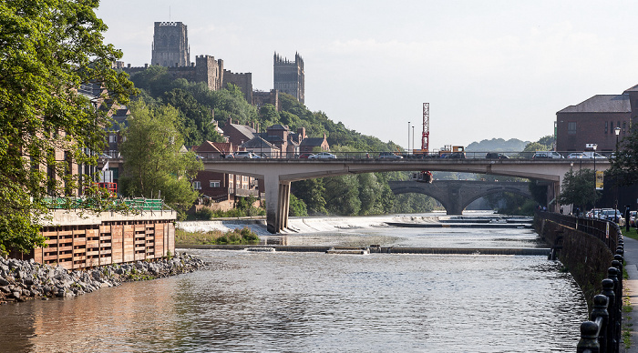 Durham River Wear mit Milburngate Bridge (vorne) und Framwellgate Bridge Durham Castle Durham Cathedral