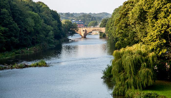 Durham Blick von der Prebends Bridge: River Wear mit der Framwellgate Bridge South Street Banks