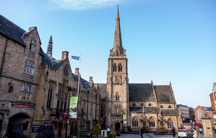 Durham Peninsula: Market Place und St Nicholas' Church Durham Indoor Market