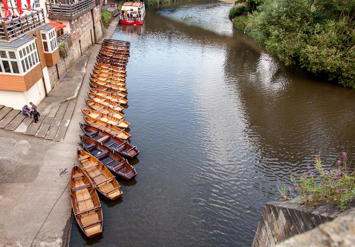 Durham Blick von der Elvet Bridge: River Wear mit Ruderbooten