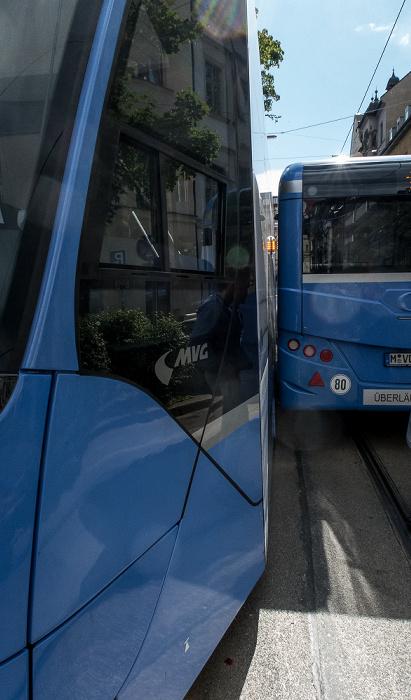 München Haidhausen: Johannisplatz - Zusammenstoß von Tram und Bus