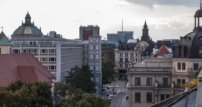 München Blick von der Dachterasse des Hotels Bayerischer Hof: Pacellistraße
