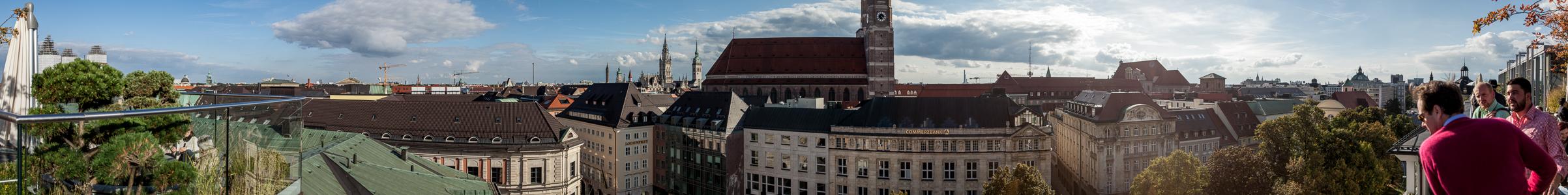München Blick von der Dachterasse des Hotels Bayerischer Hof