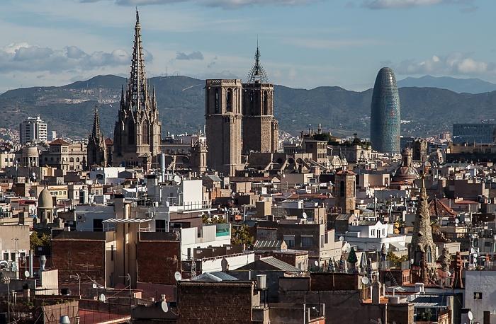 Blick vom Andante Hotel: Ciutat Vella mit der Catedral de la Santa Creu i Santa Eulàlia Barcelona 2015