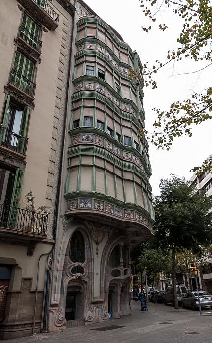 Eixample: Avinguda Diagonal / Carrer de Còrsega - Casa Comalat Barcelona