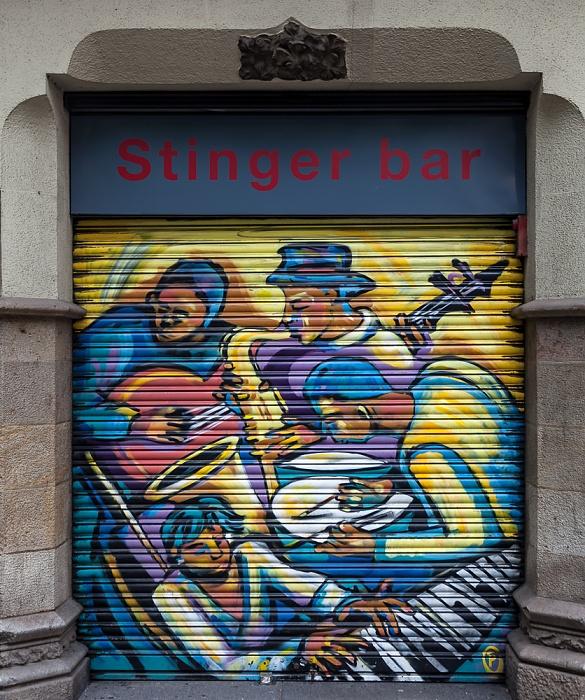 Eixample: Carrer de Pau Claris - Stinger Bar Barcelona