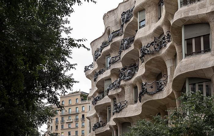 Eixample: Carrer de Provença - Casa Milà Barcelona