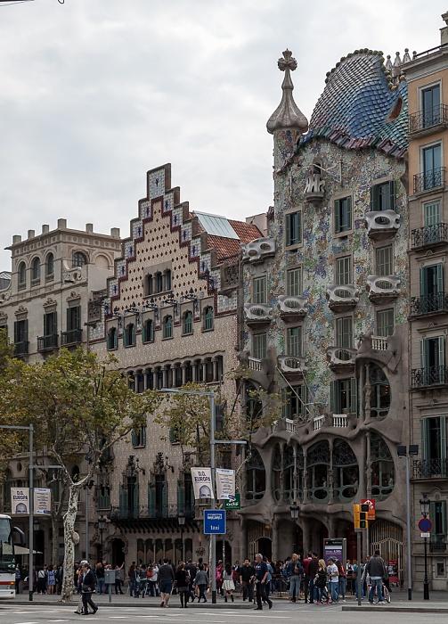 Eixample: Passeig de Gràcia - Mansana de la Discòrdia mit (v.r.) Casa Batlló, Casa Amatller und Casa Bonet Barcelona