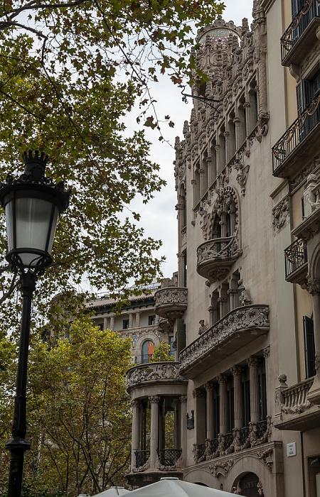 Eixample: Passeig de Gràcia - Mansana de la Discòrdia mit Casa Lleó Morera Barcelona