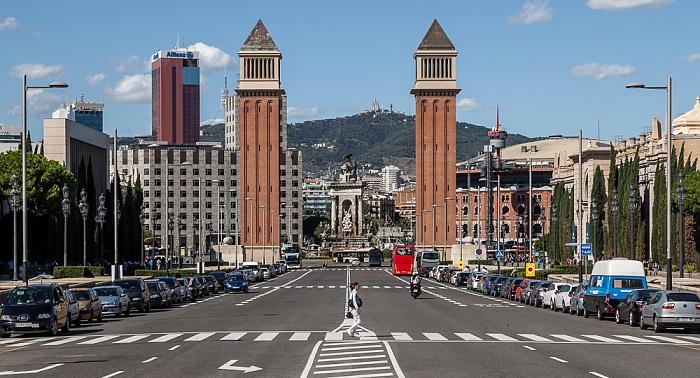 Fira de Barcelona: Avinguda de la Reina Maria Cristina und Torres Venecianes