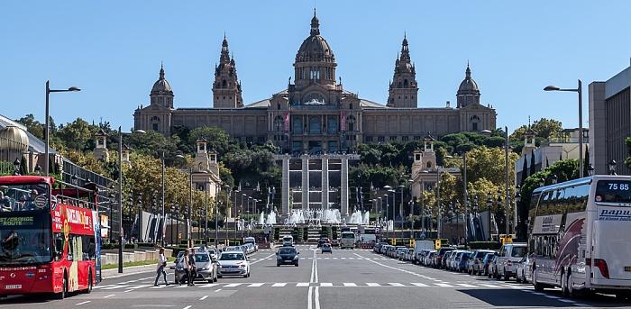 Fira de Barcelona mit der Avinguda de la Reina Maria Cristina Barcelona 2015