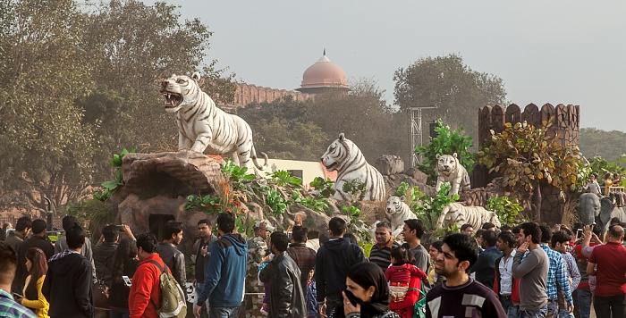 Old Delhi: Hayat Bakhsh Bagh (Red Fort Garden) - Umzugswagen zum Delhi Republic Day Parade