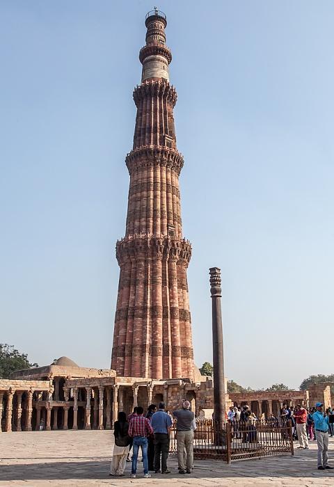 New Delhi: Qutb-Komplex - Quwwat-ul-Islam-Moschee, Qutb Minar und Eiserne Säule