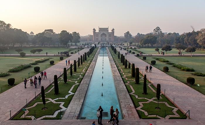 Agra Taj Mahal: Gartenanlage (Charbagh), Haupteingangsgebäude
