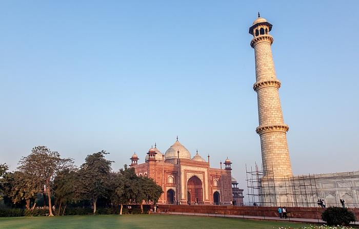 Agra Taj Mahal: Moschee (Masjid), Minarett