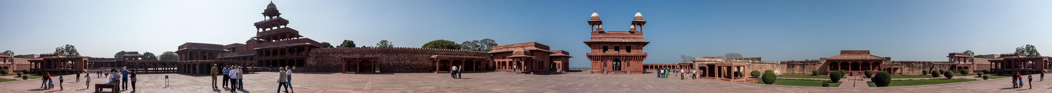 Fatehpur Sikri Königspalast: Daulat-Khana-Innenhof