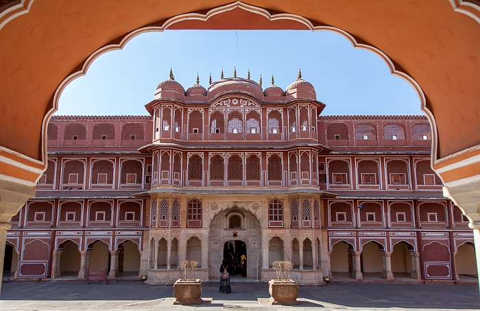 Jaipur City Palace: Sarvatobhadra Chowk - Blick aus dem Diwan-i-Khas (private Audienzhalle)
