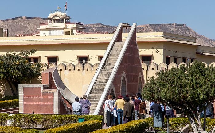 Jaipur Jantar Mantar: Laghu Samrat Yantra (Kleine Sonnenuhr) City Palace Nahargarh Fort