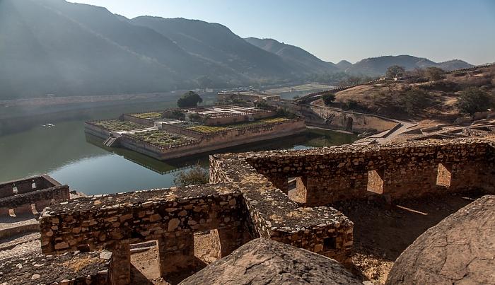 Jaipur Amber Fort, Maota Lake mit Kesar Kyari Bagh
