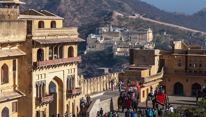 Jaipur Amber Fort: Erster Innenhof Badrinath Temple