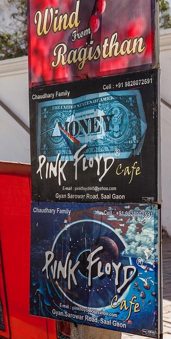 Pushkar Werbung für das Pink Flyod Cafe