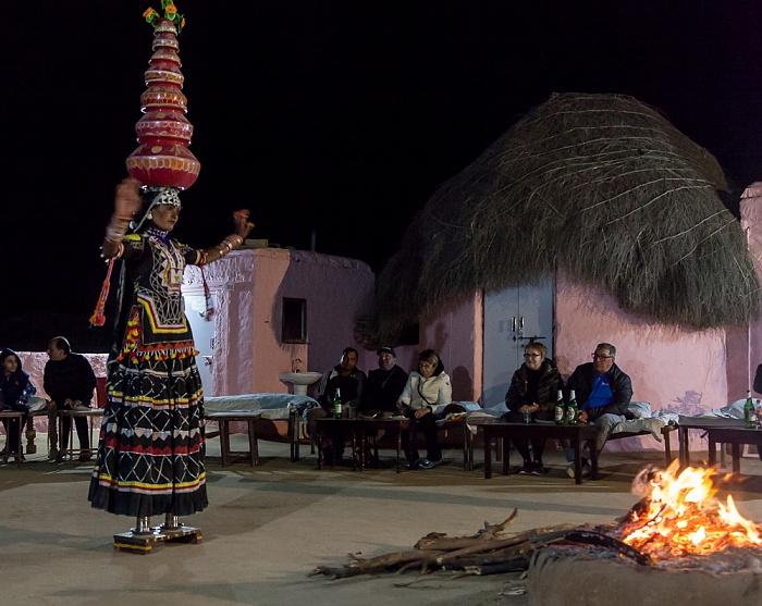 Khuri Wüste Thar (Desert National Park): Registhan Guest House - Tänzerin