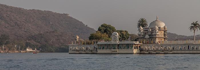 Udaipur Lake Pichola, Lake Garden Palace (Jag Mandir)