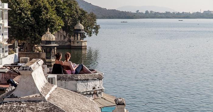 Udaipur Bagore-ki-Haveli, Lake Pichola