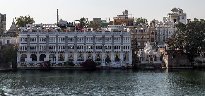 Udaipur Blick vom Bagore-ki-Haveli: Lake Pichola, Hotel Thamla Haveli