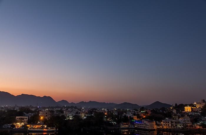 Udaipur Blick vom Hotel Hill Lake: Swaroop Sagar