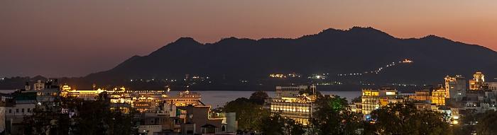 Udaipur Blick vom Hotel Hill Lake: Lake Pichola