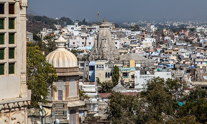 Udaipur Blick vom City Palace Jagdish Temple