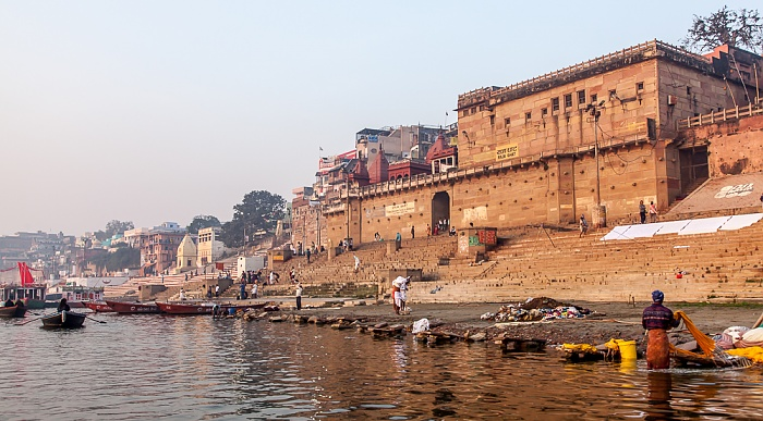 Varanasi Ganges, Ghats: Raja Ghat