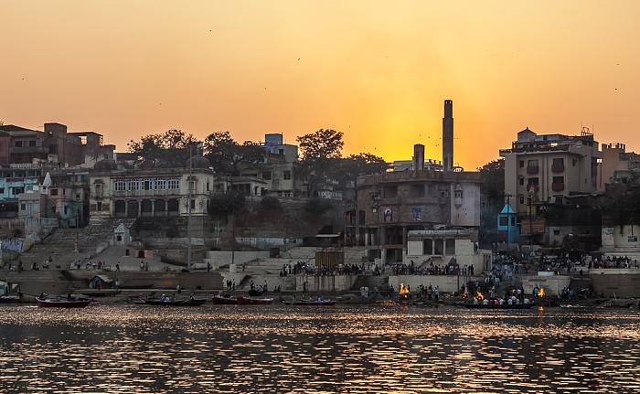Varanasi Ganges, Ghats: Harish Chandra Ghat