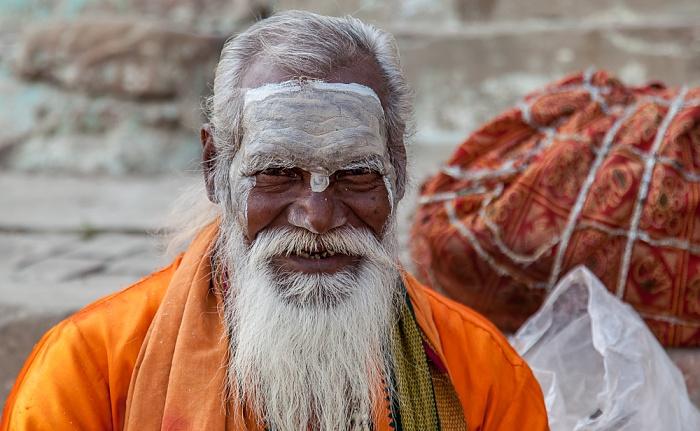 Varanasi Ghats: Sadhu