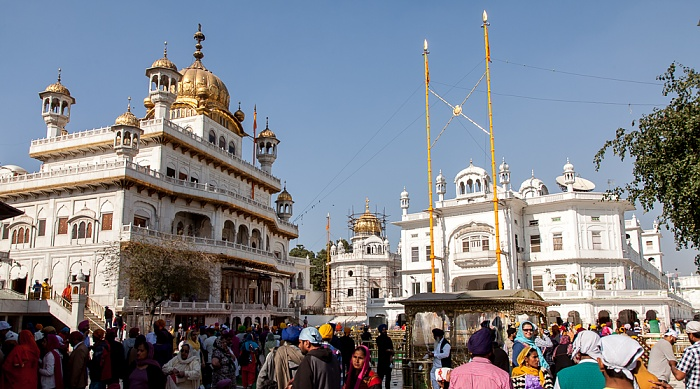 Amritsar Golden Temple Complex: Sri Akal Takhat Sahib (links)