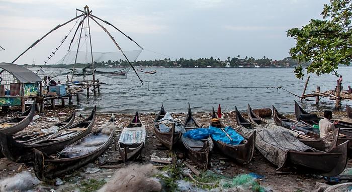 Fort Kochi: Fischerboote, Chinesische Fischernetze, Vembanad Lake