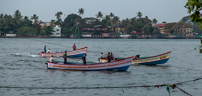 Fort Kochi: Vembanad Lake - Rückkehr der Fischerboote