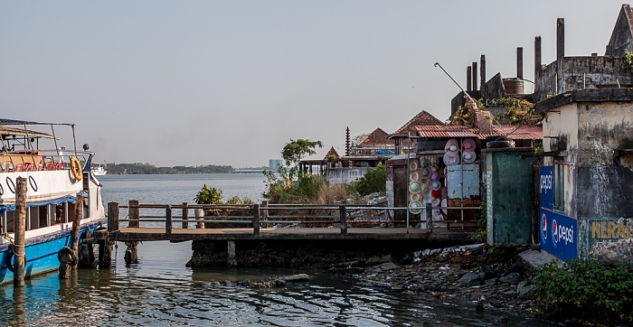 Kochi Mattancherry: Mattancherry Boat Jetty, Vembanad Lake
